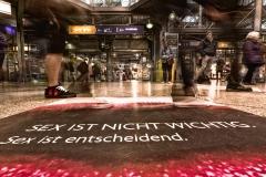 Münchner Hauptbahnhof von unten