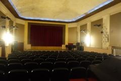 Blick ins Kronenkino von 1910 mit damals 374 Plätzen - ursprünglich mit Orchestergraben wurde hier 1928 erstmals ein Tonfilm in einem Lichtspielhaus in Deutschland gezeigt, nach der Präsentation bei der  5. Berliner Funkausstellung 1928.